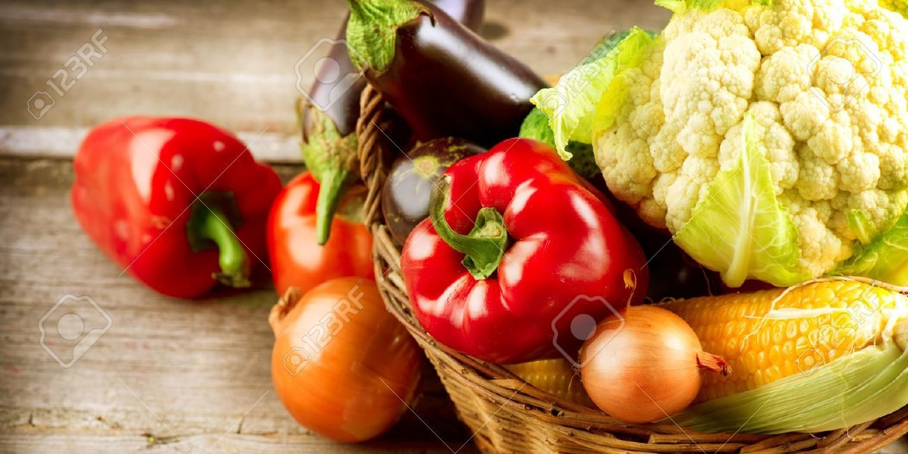 cropped-15302488-Healthy-Organic-Vegetables-on-a-Wood-Background-Stock-Photo-food-2.jpg