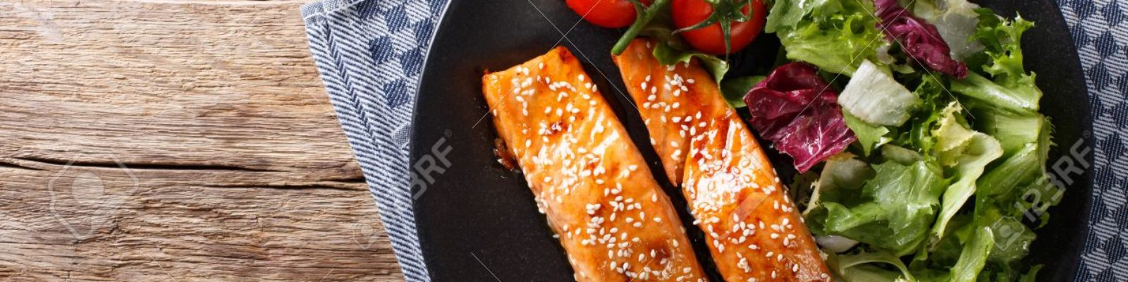 cropped-76503978-Salmon-with-sesame-seeds-in-Asian-style-and-fresh-salad-close-up-on-a-plate-horizontal-view-from-abo-Stock-Photo-1.jpg