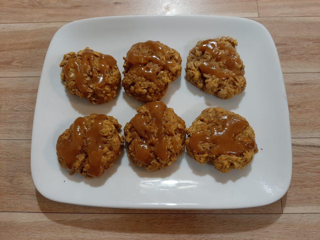 Pumpkin Oatmeal Cookies with Caramel